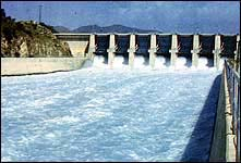 Paritally opened floodgates